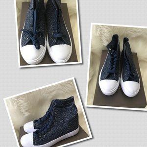 Shoes - Fun fun fun denim style with floral print sneakers
